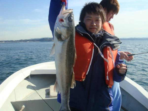 娘の友達がシーバス釣りに来ました。のサムネイル