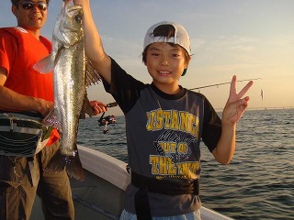 夏休みですね!親子釣を楽しみましょう。のサムネイル