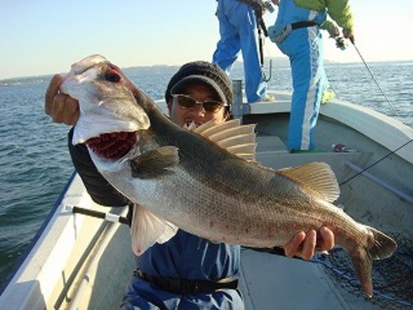 釣りガール爆釣!!のサムネイル