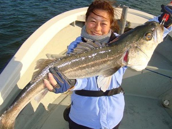 釣りガール大物GET!!のサムネイル