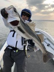 厳しい時も釣る! 81㎝おめでとうございます。