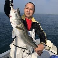 朝は霧、釣果良い感じに釣れてます。誠丸のサムネイル