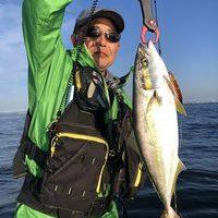 土曜、日曜日共に絶好調!シーバス、サバ、イナダ、サワラと釣れました。のサムネイル
